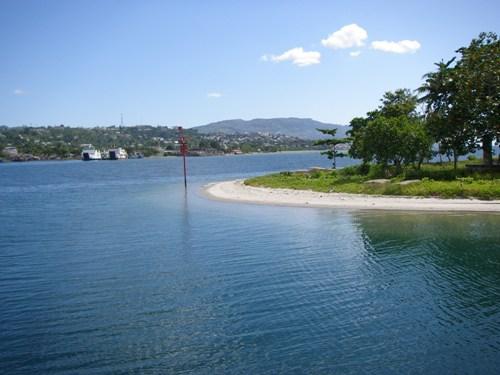 Estuari Teluk Ambon